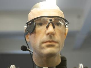 Cientistas britânicos constroem homem biônico mais avançado do mundo