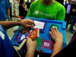 Bill Gates diz que Microsoft cometeu erros em estratégia móvel inicial