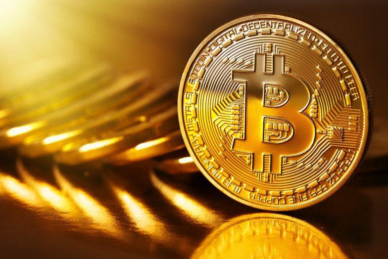 Bitcoin passa a valer menos de US$ 6 mil