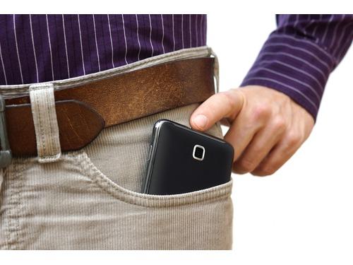Bloqueio de celulares piratas depende de aval da diretoria da Anatel