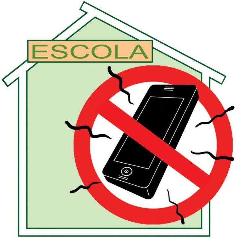 Para desintoxicação, parlamento francês aprova proibição dos celulares em escolas na França