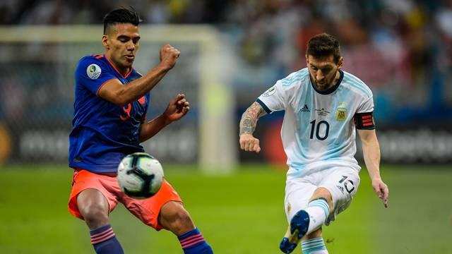 ⚽ Argentina X Colômbia marca a maior bate recorde de audiência da TV paga brasileira desde 2015